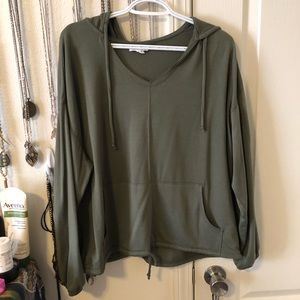 Olive green Maurices Pullover // Size Large